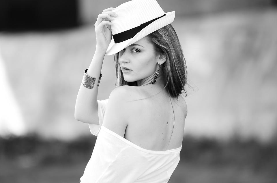 Romina Frau - articolo bellezza